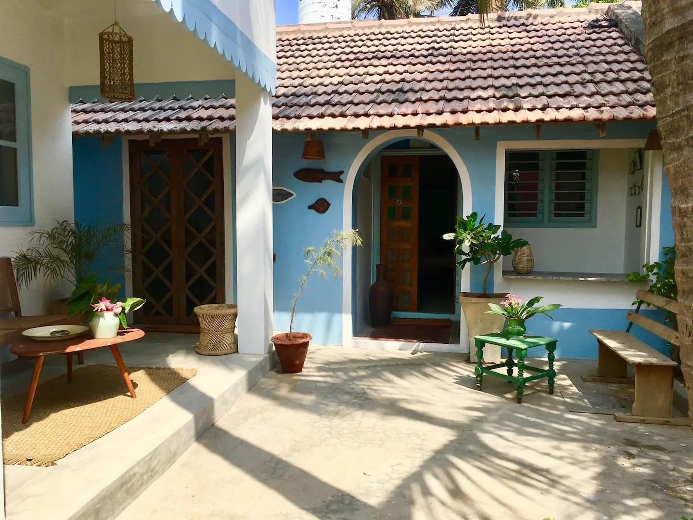 Ingin Berlibur Di Auroville, India? Inilah La Maison Bleue, Rekomendasi Penginapan Tamu Di Auroville